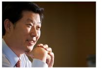 ■이슈피플/김홍국 하림그룹 회장    …  1%라도 위법사항이 있으면 책임지겠다  당분간 경영권 승계는 없다