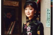 """■아시아의 여인 덩리쥔(鄧麗君)  """"달빛이 내 마음을 대신하네""""  홍콩반환 20주년 맞아 평전 나와"""